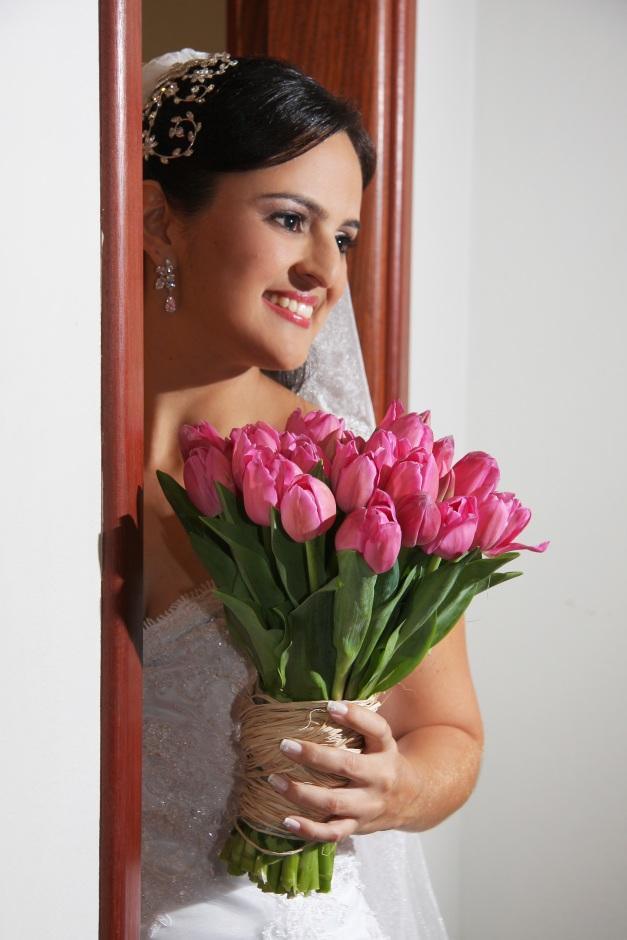 Camila Vieira - Buquê de tulipa rosa - Foto Henrique Vieira